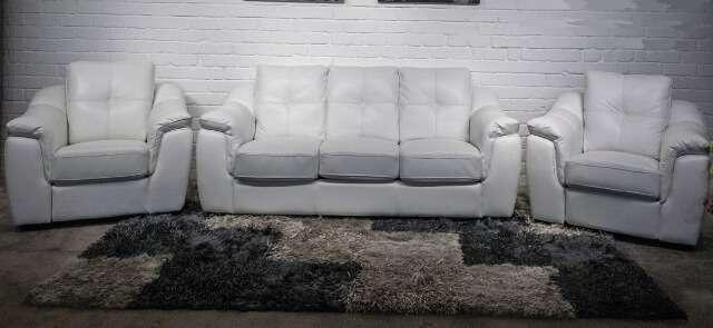 Комплекты мягкой мебели создадут уют и комфорт в Вашем доме